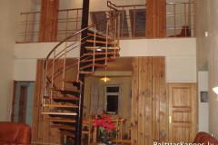 Винтовая лестница без перилам, открытая