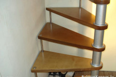 Winding stair without handrails, open